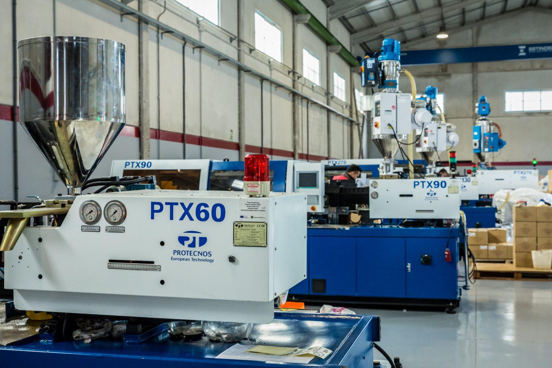 Máquinas de moldeo por inyección de plástico